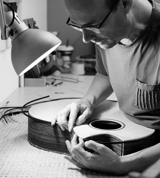 Luthier en guitare Lille